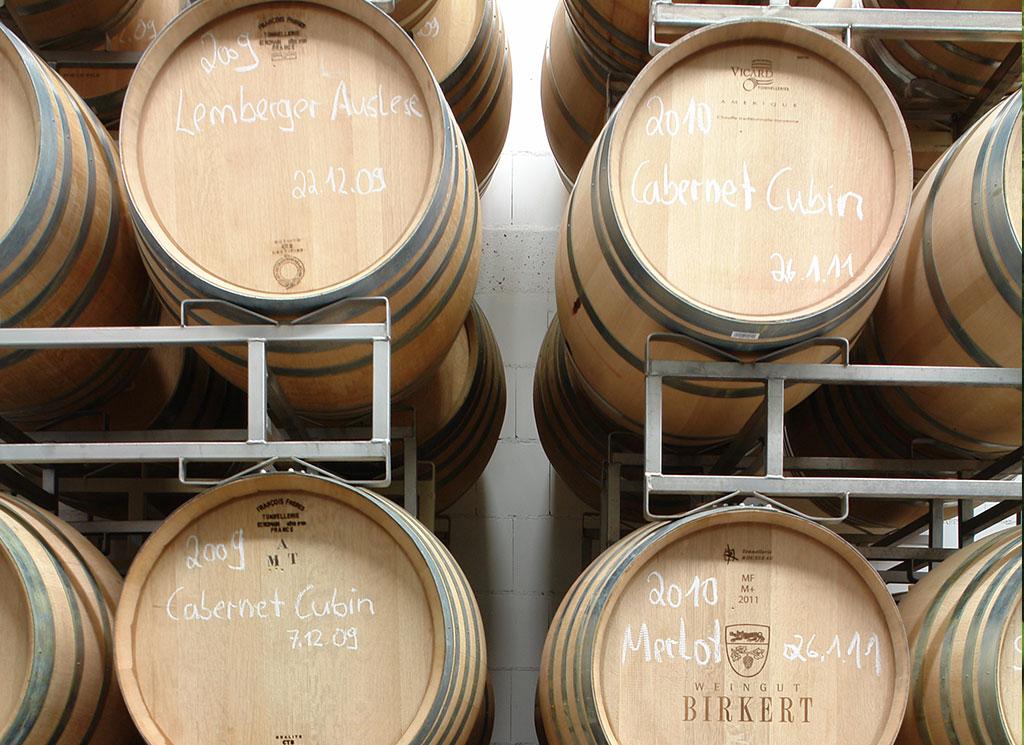 Weinkeller Weinlager Weinfässer